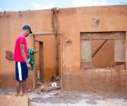 Tras ser evacuados, de vuelta a sus casas, los habitantes de la zona se encontraron con una comunidad fantasma. Foto: Brasil de Fato.