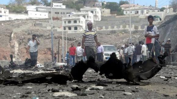 Carro con explosivos que dejó sin vida gobernador de ciudad yemení. Foto: Reuters.