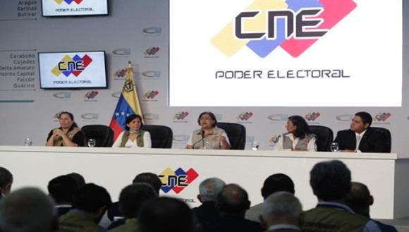 El Consejo Nacional Electoral (CNE) indicó la madrugada de este lunes que 74.25% del padrón electoral participó en los comicios. | Foto: AVN