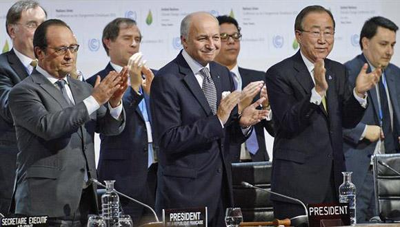 Hollande, Fabius y Ban Ki-moon, en Cumbre de París.Foto:AFP