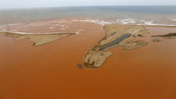 La zona quedó devastada por la rotura del dique. Foto: Reuters.