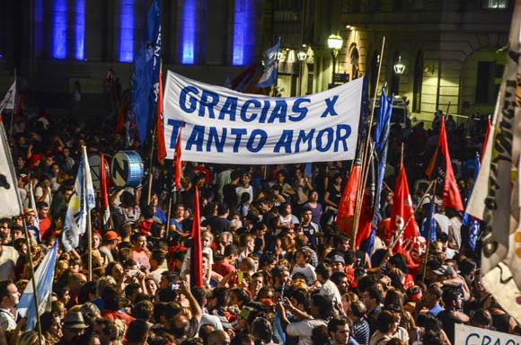 Despedida de Cristina Fernández de Kirchner en Plaza de Mayo. Foto: Kaloian/Cubadebate.