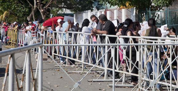 Embajada de Ecuador en La Habana, 1 de diciembre de 2015. Foto: Ismael Francisco/ Cubadebate