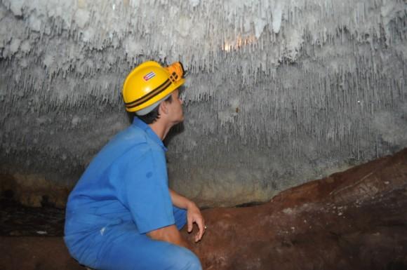 Estalactitas del tipo macarrones o spaghettis(isotubulares) caverna de Humboldt en Cayo Caguanes Foto :Henry Delgado / Cubadebate