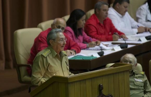 cubano, habla en el acto de clausura del parlamento. Foto: Ismael Francisco/Cubadebate.