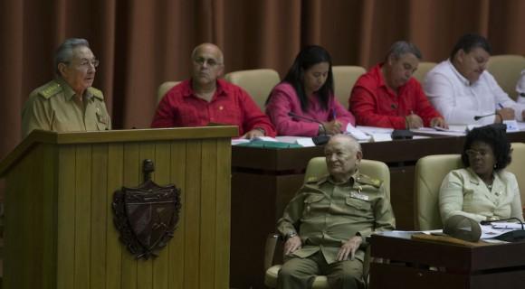 Raul Castro, Presidente cubano, habla en el acto de clausura del parlamento. Foto: Ismael Francisco/Cubadebate.