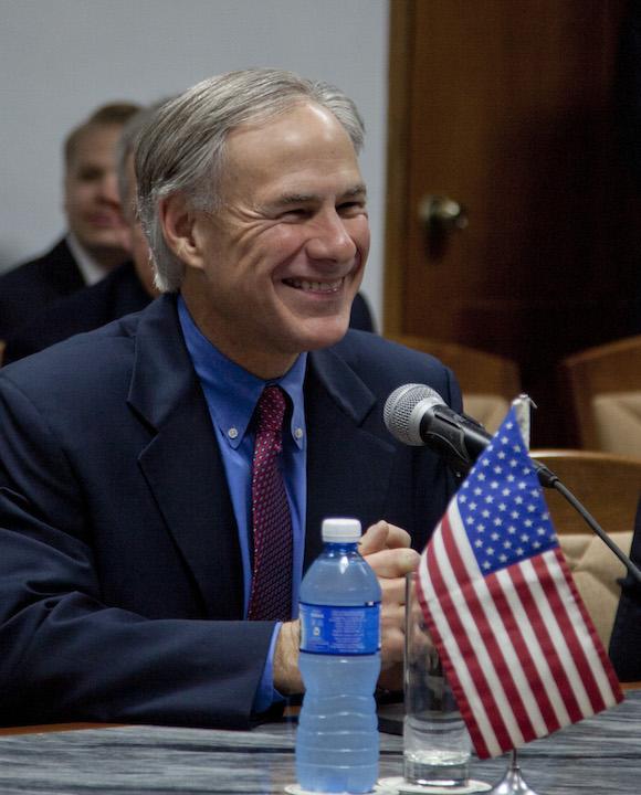 Gobernador de Texas se reúne con diputados cubanos