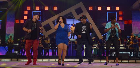 La Colmenita y Los Van Van cerraron la gala en homenaje a Juan Formell. Foto: Marianela Dufflar/ Cubadebate.