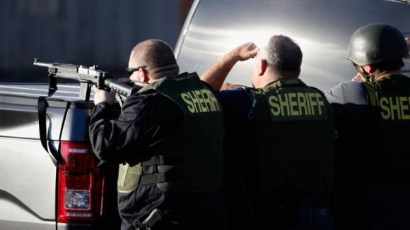San Bernardino movilizado tras los asesinos.