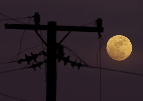 Luna cubana y navideña. Foto: Ismael Francisco/ Cubadebate