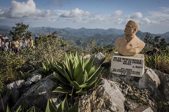 En 2006 el grupo espeleológico Origen coloco el busto de ese cubano grande que fue Antonio Maceo
