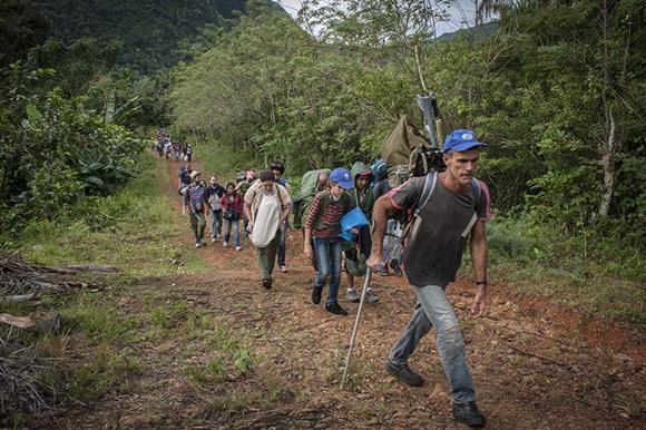 Con el liderazgo de Sandelis, coordinador del Movimiento de excursionismo cubano, comenzó la larga jornada hasta la cima.