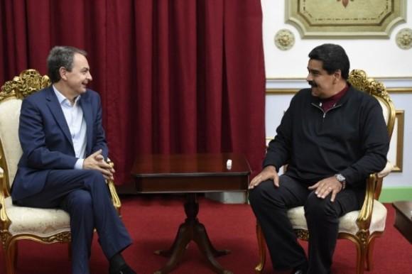 El expresidente del gobierno español José Luis Rodríguez Zapatero, sostuvo un encuentro con el presidente Nicolás Maduro en el Palacio de Miraflores, donde analizó los posibles escenarios electorales para este domingo seis de diciembre.