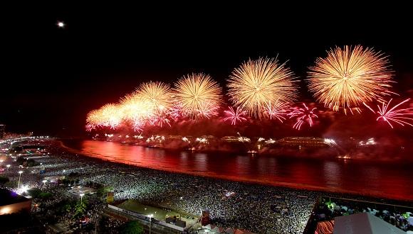 Durante la primera madrugada del año próximo el cielo de Rio de Janeiro se cubrirá de fuegos artificiales. Foto: Press Release.