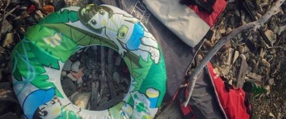 Lanzarse al mar con un flotador de juguete: la epopeya de los refugiados.