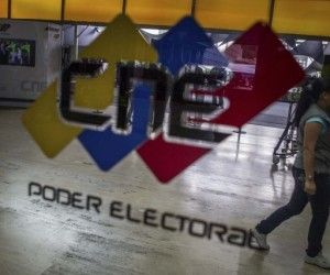 Oposición gana las elecciones parlamentarias en Venezuela