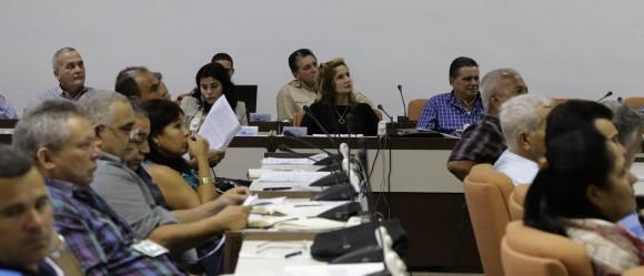 Trabajo en Comisiones de la Asamblea Nacional del Poder Popular. Agroalimentaria. Foto: Ismael Francisco/Cubadebate.