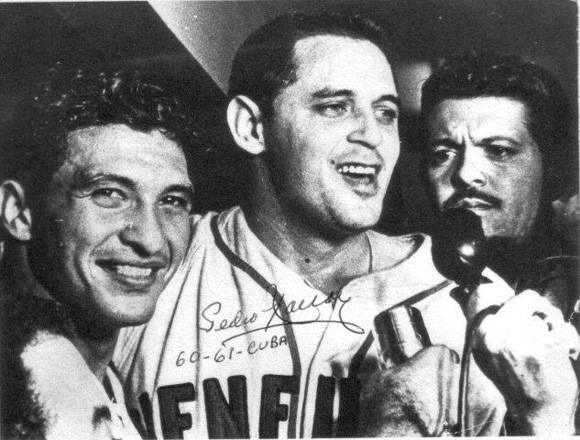 Con el Cienfuegos campeón (1960-1961).