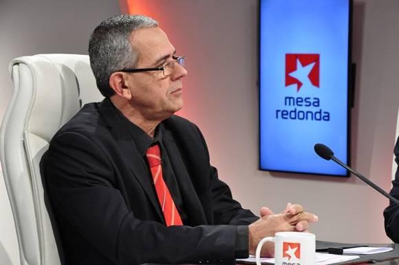 Dr.  Manuel Guillermo Valle Fasco, Director de Formación de profesionales del  MES. Foto: Roberto Garaicoa / Cubadebate.