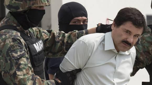 Imagen del momento en que capturan a Joaquín El Chapo Guzmán. Foto: voxpopulileon.com