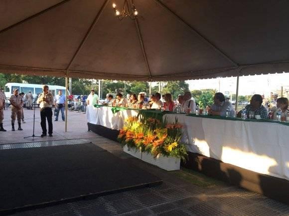 El vicepresidente de Bolivia, Álvaro García Linera, inaugura la Plaza José Martí en la ciudad de Santa Cruz. Foto: Vicepresidencia de Bolivia.