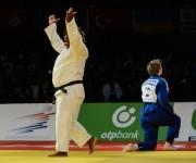 La cubana Idalys Ortiz (kimono blanco), gano la medalla de oro al vencer en la final a la francesa Lucie Louette, en la división de +78 Kg, en el Grand Prix de Judo, que se celebra en el Coliseo de la Ciudad Deportiva, en La Habana, el 24 de enero de 2016. Foto: Marcelino Vázquez / ACN