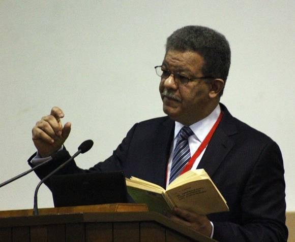 Leonel Fernández fue presidente de Rep. Dominicana en los periodos 1996-2000 y 2004-2012. Es además Doctor Honoris Causa de la Universidad de la Sorbona en París y posee una reconocida carrera como conferencista y profesor universitario. Foto: José Raúl Concepción/Cubadebate.