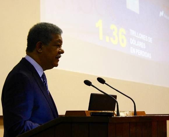Fernández hizo referencia a varios reconocidos economistas yexplicó que el Capitalismo del siglo XXI se encuentra en una etapa regida por las finanzas. Foto: José Raúl Concepción/Cubadebate.