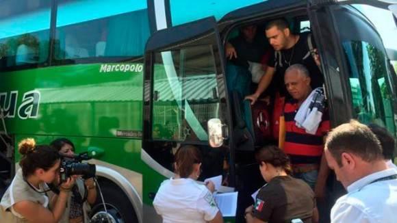 Migrantes cubanos llegan a El Salvador