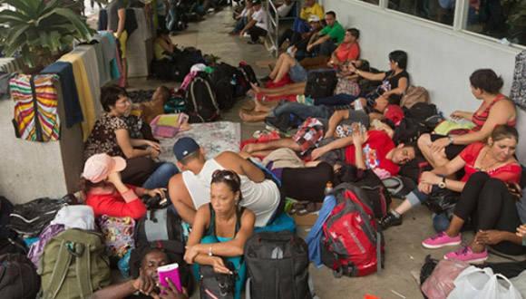 Migrantes irregulares cubanos viajarán a México desde Panamá