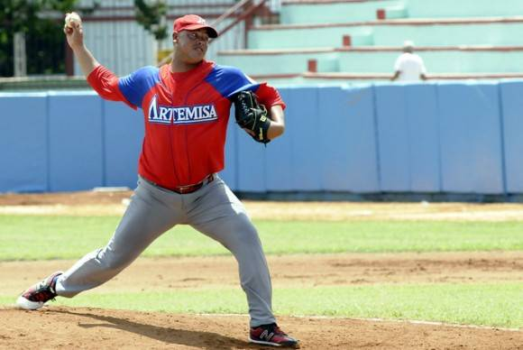 El diestro Miguel Lahera reforzará a los Caimanes de Barranquilla. Foto tomada de Radio Rebelde