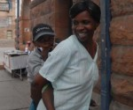 Para Sarah Nyamukondiwa, Cuba solo puede asociarse con gente buena. Foto: Yudy Castro Morales.