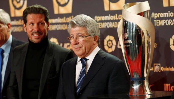 ww.megasportradio.com812 × 557Buscar por imágenes El presidente del Atlético de Madrid, Enrique cerezo y el entrenador, el argentino Diego Pablo Simeone,