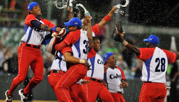 Cuba ganó la Serie del Caribe en el año 2015, bajo la dirección de Alfonso Urquiola. Foto: Ricardo López Hevia/ Granma/ Cubadebate.