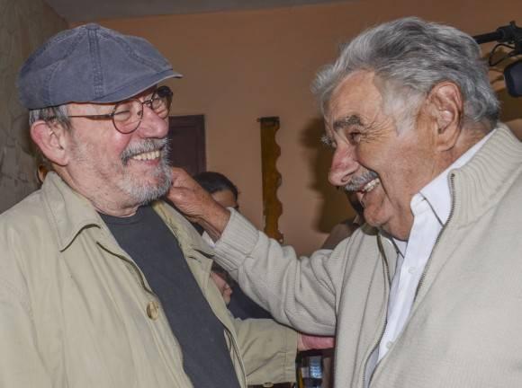 Pepe Mujica cerró su programa en La Habana en un concierto de la Gira por los barrios. Foto: Kaloian.