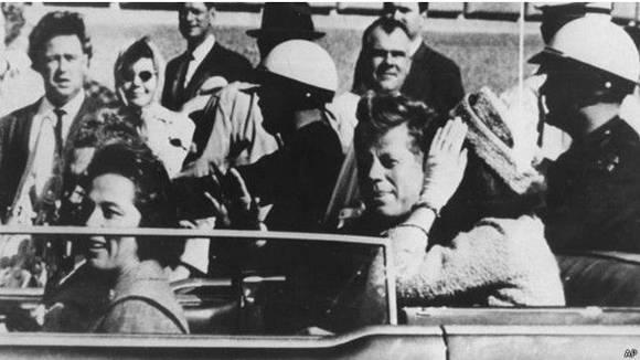 Uno de los errores más célebres de Wikipedia estuvo en la entrada sobre el asesinato de John F. Kennedy. Foto: AP.