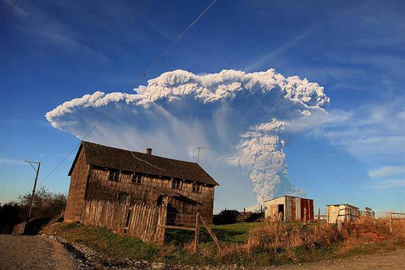 Ya en abril pasado otro volcán entró en erupción y las cenizas llegaron hasta Buenos Aires. Foto: AFP.