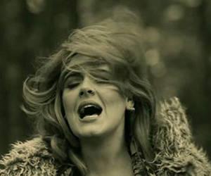 Adele prohíbe a Donald Trump utilizar sus temas en campaña electoral