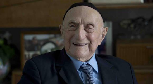 anciano sobreviviente holocausto