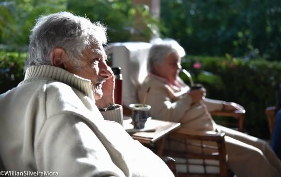 """José """"Pepe"""" Mujica y Lucía Topolansky en la residencia del embajador uruguayo en La Habana, 25 de enero de 2015. Foto: William Silveira Mora"""