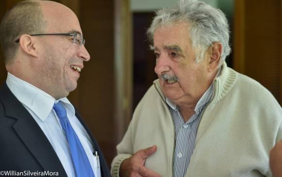 """El Senador uruguayo José """"Pepe"""" Mujica y el periodista Randy Alonso Falcón en La Habana, 25 de enero de 2016. Foto: William Silveira Mora"""
