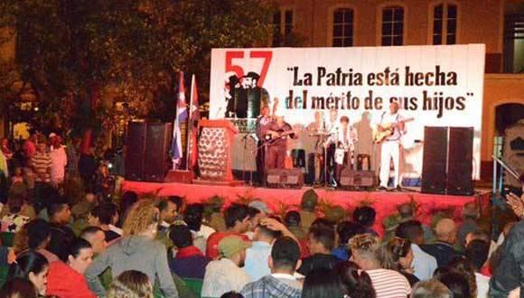Talento artístico local, ameniza la velada a 57 años del paso de la Caravana de la Libertad por la ciudad de Matanzas, Cuba, el 7 de enero de 2016.  ACN  FOTO/ Roberto Jesús HERNÁNDEZ
