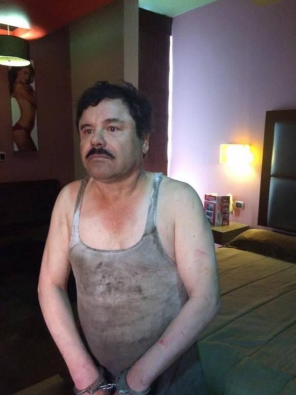 """Primera imagen del narcotraficante Joaquín """"El Chapo"""" Guzmán filtrada a medios locales tras su recaptura en la ciudad de Los Mochis, Sinaloa (México). Foto: STREFE"""