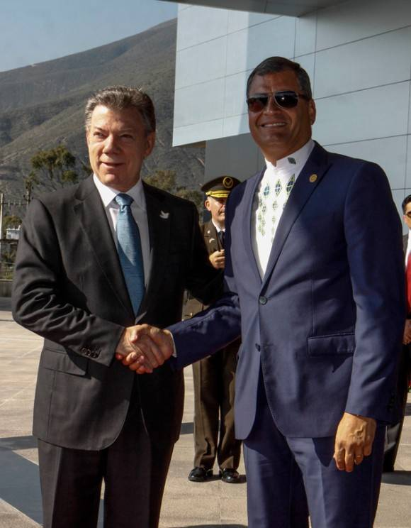 Correa y el Presidente de Colombia, Juan Manuel Santos. Foto: EFE