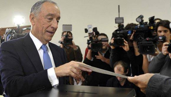 Marcelo Rebelo de Sousa lidera el escrutinio de las elecciones presidenciales en Portugal. Foto: EFE.