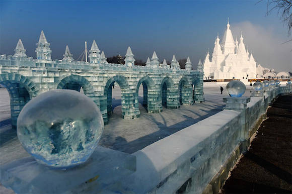 La escultura de hielo en Harbin, capital de la provincia Heilongjiang, en China. Foto: Xinhua