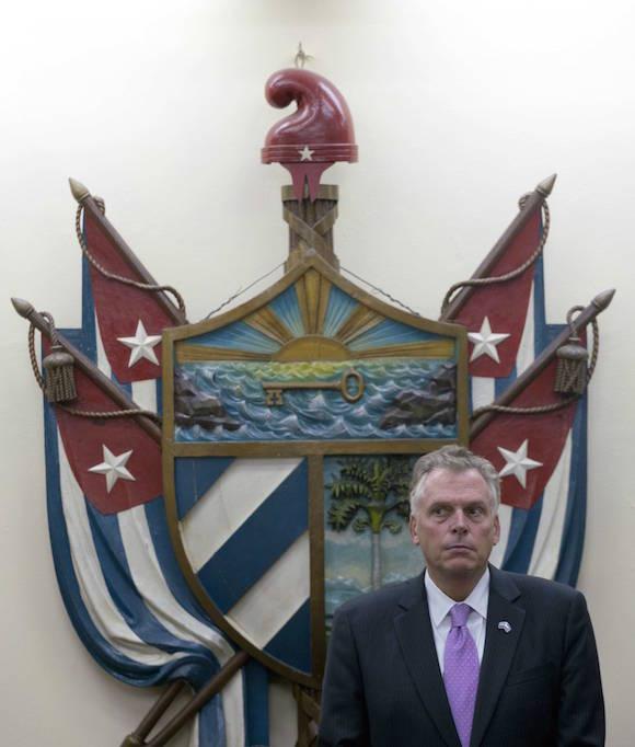 Gobernador de VirginiaTerry McAuliffe en el Salón 250 de la Universidad de La Habana. Foto: Ramón Espinosa/ AP
