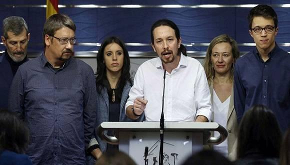 """´El líder del partido Podemos, Pablo Iglesias, se reunió con el Rey de España y entre las propuestas expuestas, está la de un Ejecutivo mixto, en el que las tres formaciones tengan representantes de una manera """"proporcional"""" a sus resultados del 20 de diciembre. Foto: EFE"""