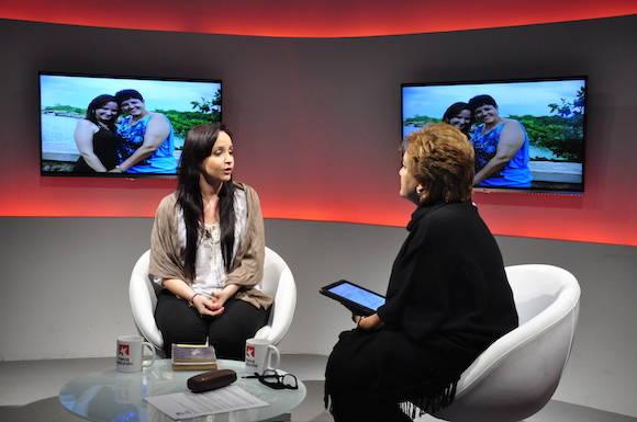 Jennifer en la Mesa Redonda. Foto: Roberto Garaicoa/ Cubadebate