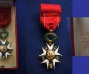 Cruz de oficial de la Legión de Honor.